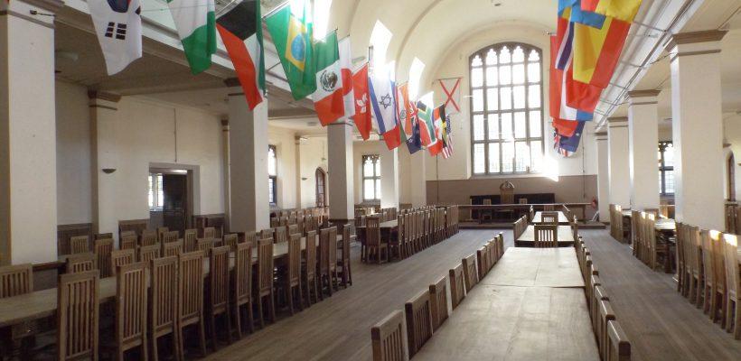 ห้องอาหารโรงเรียน Myddelton Collge ต้นแบบในหนัง Harry Potter